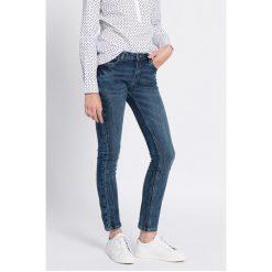 Medicine - Jeansy Work In Progress. Niebieskie jeansy damskie relaxed fit marki MEDICINE. W wyprzedaży za 69,90 zł.
