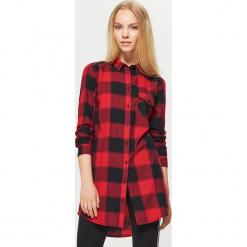 Koszulowa sukienka w kratę - Czerwony. Czerwone sukienki marki Cropp, l, z koszulowym kołnierzykiem, koszulowe. W wyprzedaży za 49,99 zł.