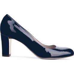 Czółenka FRIDA. Niebieskie buty ślubne damskie Gino Rossi, z lakierowanej skóry. Za 249,90 zł.