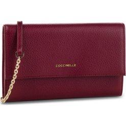 Torebka COCCINELLE - CW5 Metallic Soft E2 CW5 11 07 01 Grape R04. Czerwone torebki klasyczne damskie Coccinelle, ze skóry. Za 749,90 zł.