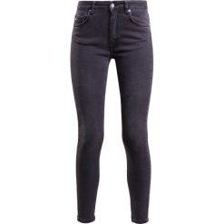J.LINDEBERG GRETE ASHED Jeansy Slim Fit dark grey. Szare jeansy damskie relaxed fit J.LINDEBERG. W wyprzedaży za 407,20 zł.
