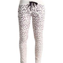 Juvia ANIMAL PRINT  Spodnie treningowe plum. Fioletowe spodnie dresowe damskie Juvia, l, z bawełny. W wyprzedaży za 463,20 zł.