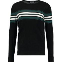 Swetry klasyczne męskie: KIOMI Sweter black/oliv