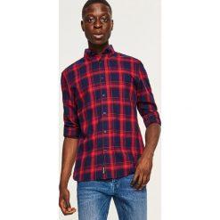 Koszula w kratę regular fit - Czerwony. Czerwone koszule męskie marki Cropp, l. Za 99,99 zł.