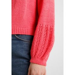 Swetry damskie: Topshop POINTELLE STITCHY BALLOON SLEEVE Sweter coral
