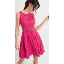 Sukienki: Szyfonowa sukienka z ozdobnym paskiem