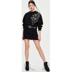 Bluzy rozpinane damskie: Bluza z kwiatowym haftem - Czarny