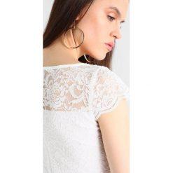 Swing Sukienka koktajlowa ivory. Białe sukienki koktajlowe marki Swing, z materiału. Za 549,00 zł.
