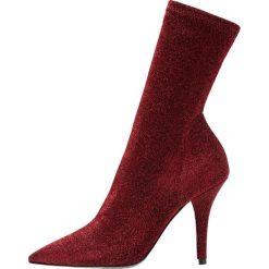 Bianca Di Botki na obcasie red lustro. Czerwone botki damskie na obcasie Bianca Di, z materiału. Za 459,00 zł.