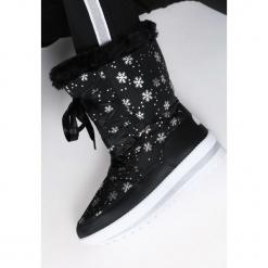 Czarne Śniegowce Contents. Czarne buty zimowe damskie marki Born2be, za kostkę. Za 89,99 zł.