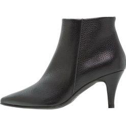 Brenda Zaro BENETTBO Ankle boot black. Czarne botki damskie skórzane Brenda Zaro. Za 579,00 zł.