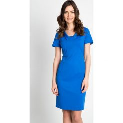 Niebieska dopasowana sukienka z okrągłym dekoltem QUIOSQUE. Niebieskie sukienki dzianinowe marki QUIOSQUE, z dekoltem na plecach, z krótkim rękawem, mini, dopasowane. W wyprzedaży za 79,99 zł.