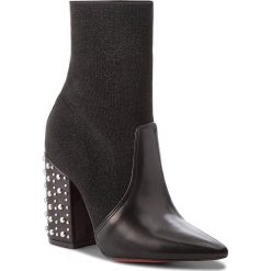 Botki CARINII - B4448 E50-000-000-C28. Czarne buty zimowe damskie Carinii, z materiału, na obcasie. W wyprzedaży za 299,00 zł.