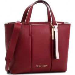 Torebka CALVIN KLEIN - City Leather Medium K60K604478 628. Czerwone torebki klasyczne damskie Calvin Klein, ze skóry. Za 1199,00 zł.