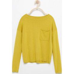 Swetry damskie: Sweter z kieszenią – Zielony