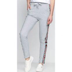 Spodnie dresowe damskie: Jasnoszare Spodnie Dresowe Party Room