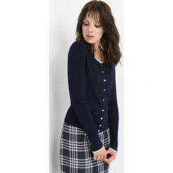 Sweter z kontrastową lamówką. Czarne kardigany damskie marki Orsay, xs, z bawełny, z dekoltem na plecach. Za 79,99 zł.