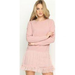 Różowa Sukienka Fine Detail. Różowe sukienki mini marki numoco, l, z dekoltem w łódkę, oversize. Za 64,99 zł.