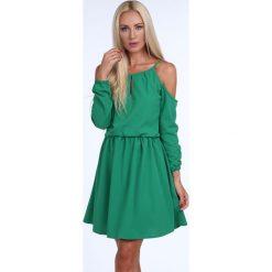 Sukienka z odkrytymi ramionami zielona 1815. Niebieskie sukienki z falbanami marki Reserved, z odkrytymi ramionami. Za 109,00 zł.