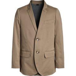 J.CREW ITALIAN STRETCH CHINO JACKET Marynarka khaki. Brązowe spodnie chłopięce marki J.CREW, z bawełny. W wyprzedaży za 479,20 zł.