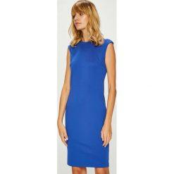 Answear - Sukienka Watch Me. Szare sukienki dzianinowe marki ANSWEAR, na co dzień, l, casualowe, z okrągłym kołnierzem, mini, dopasowane. W wyprzedaży za 99,90 zł.