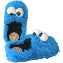Ulica Sezamkowa Cookie Monster Kapcie błękitny. Niebieskie kapcie męskie marki Ulica Sezamkowa, z materiału. Za 121,90 zł.