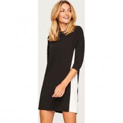 Czarno-biała sukienka - Czarny. Czarne sukienki marki Reserved, l. Za 59,99 zł.