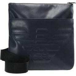 Emporio Armani PIATTINA GRANDE Torba na ramię dark blue. Niebieskie torby na ramię męskie Emporio Armani, na ramię, małe. W wyprzedaży za 389,40 zł.