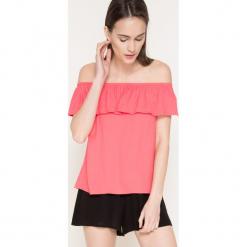 Answear - Bluzka Because Of You. Różowe bluzki asymetryczne ANSWEAR, l, z tkaniny, casualowe, z dekoltem w łódkę. W wyprzedaży za 39,90 zł.
