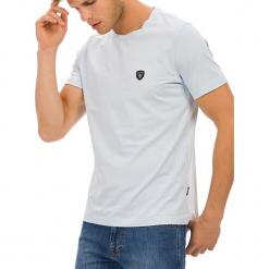 T-shirt w kolorze jasnoniebieskim. Niebieskie t-shirty męskie GALVANNI, m, z okrągłym kołnierzem. W wyprzedaży za 84,95 zł.