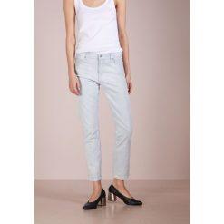 BOSS CASUAL ROSEVILLE Jeansy Slim Fit light/pastel blue. Niebieskie jeansy damskie relaxed fit BOSS Casual, z bawełny. W wyprzedaży za 401,40 zł.