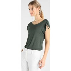 T-shirty damskie: khujo MALUSA Tshirt z nadrukiem olive