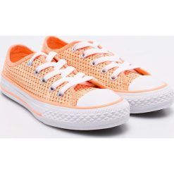 Converse - Tenisówki dziecięce. Szare buty sportowe dziewczęce Converse, z materiału, na sznurówki. W wyprzedaży za 99,90 zł.