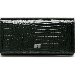 Nobo - Portfel skórzany. Czarne portfele damskie Nobo, z materiału. W wyprzedaży za 239,90 zł.