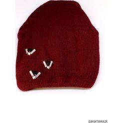 Czapka bordowa z kryształkami. Czerwone czapki zimowe damskie Pakamera, na zimę, ze splotem. Za 65,00 zł.