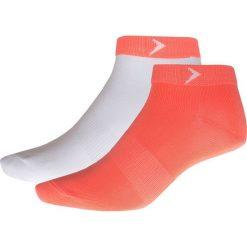 Skarpetki damskie (2 pary) SOD624 - koral neon + biały - Outhorn. Białe skarpetki damskie Outhorn, z materiału. W wyprzedaży za 14,99 zł.
