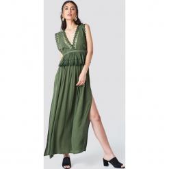 Trendyol Sukienka maxi z rozcięciami - Green. Szare długie sukienki marki Trendyol, na co dzień, z elastanu, casualowe, dopasowane. Za 141,95 zł.