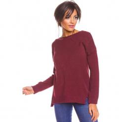 """Sweter """"Louina"""" w kolorze śliwkowym. Czerwone swetry klasyczne damskie marki So Cachemire, s, z kaszmiru, z dekoltem w łódkę. W wyprzedaży za 173,95 zł."""