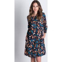 Sukienki balowe: Wzorzysta sukienka z rękawem 3/4 BIALCON
