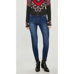 Desigual - Jeansy Kentya. Niebieskie jeansy damskie rurki marki House, z jeansu. W wyprzedaży za 239,90 zł.