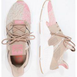 Adidas Originals PROPHERE Tenisówki i Trampki trace khaki/chalk pink. Szare tenisówki damskie marki adidas Originals, z gumy. Za 549,00 zł.