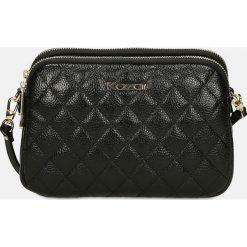Czarna torebka przez ramię. Czarne torebki klasyczne damskie Kazar, w paski, ze skóry, pikowane. Za 499,00 zł.