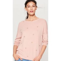 Sweter z dżetami - Różowy. Czerwone swetry klasyczne damskie marki bonprix, na zimę. Za 79,99 zł.