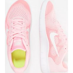 Nike Performance FREE RUN 2  Obuwie do biegania neutralne arctic punch/metallic summit white/sunset pulse. Pomarańczowe buty sportowe chłopięce Nike Performance, z materiału. W wyprzedaży za 237,30 zł.