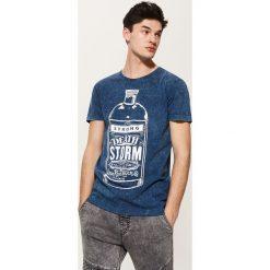 T-shirt z nadrukiem - Wielobarwn. Szare t-shirty męskie z nadrukiem marki House, l. Za 39,99 zł.