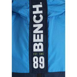 Bench COLOUR BLOCK WINDBREAKER Kurtka przeciwdeszczowa blue. Niebieskie kurtki chłopięce przeciwdeszczowe marki Bench, z materiału. Za 259,00 zł.