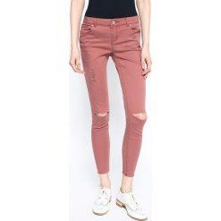 Review - Jeansy. Szare jeansy damskie marki Review, l, z tkaniny, z okrągłym kołnierzem. W wyprzedaży za 69,90 zł.