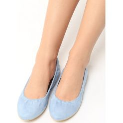 Błękitne Baleriny Klaray. Niebieskie baleriny damskie lakierowane Born2be, w kratkę, ze skóry, na płaskiej podeszwie. Za 29,99 zł.