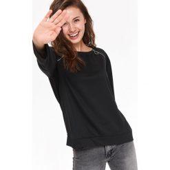 BLUZA DAMSKA NIEROZPINANA Z SUWAKAMI. Czarne bluzy rozpinane damskie Top Secret, na jesień. Za 44,99 zł.