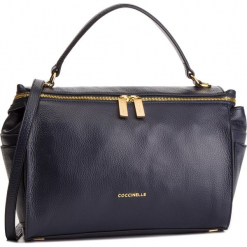 Torebka COCCINELLE - DHA Atsuko E1 DHA 18 01 01 Bleu B11. Czarne torebki klasyczne damskie marki Coccinelle, ze skóry. Za 1549,90 zł.